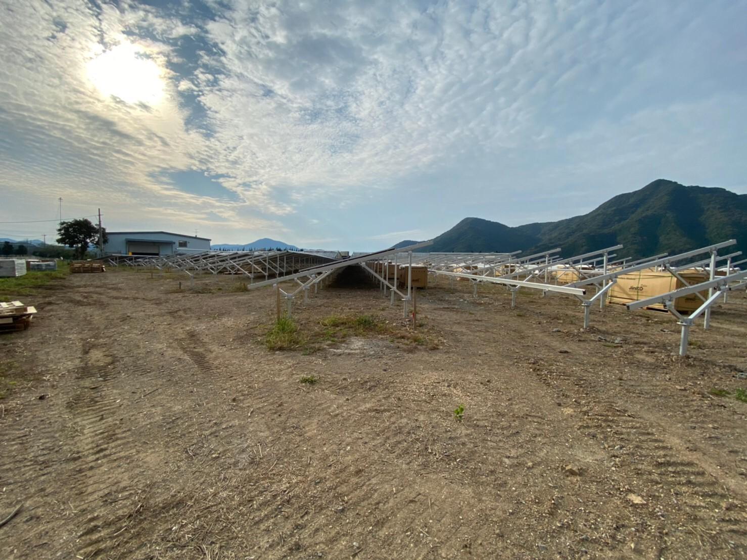 天草にて大規模な太陽光発電の工事